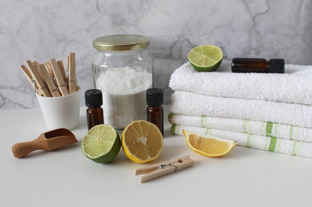 limone e bicarbonato per pulizia